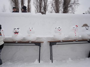 制作された雪だるまたち